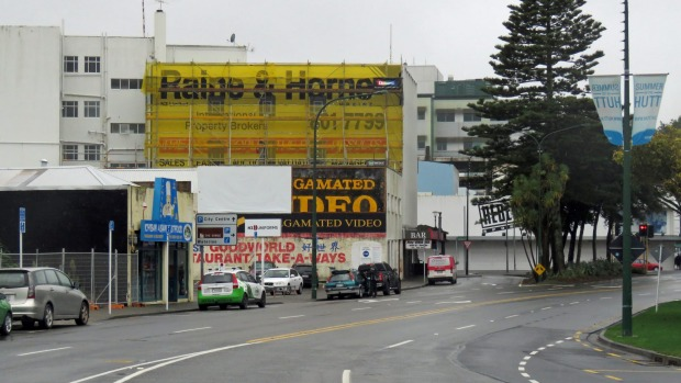 1491520165813 - 'Commercial graffiti' covered up in Lower Hutt