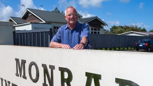 1492083225905 - Departing school principal John Forsyth says some parents had offensive attitudes toward Maori