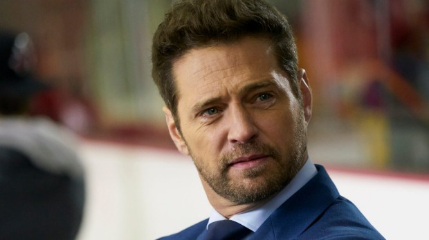 1493353606004 - 90210's Jason Priestley returns to TV to star in drama Private Eyes