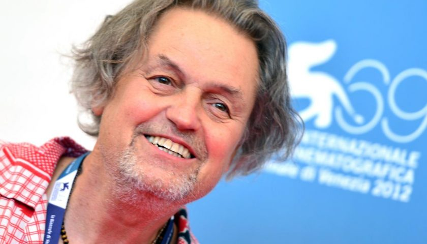 150915608 film director jonathan demme poses during the photocall 840x480 - Hollywood Mourns for Legendary Director Jonathan Demme