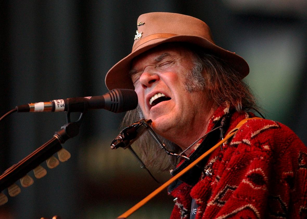 1535306 singer neil young performs at the 16th annunal bridge - 1535306-singer-neil-young-performs-at-the-16th-annunal-bridge.jpg