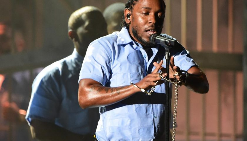 510494326 recording artist kendrick lamar performs onstage during 840x480 - Rihanna and U2 Will Be Featured on Kendrick Lamar's New Album DAMN