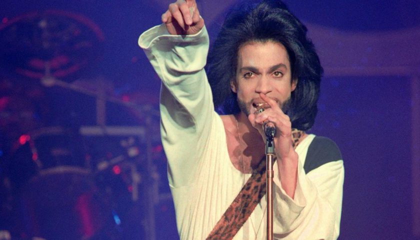 522919586 this photo taken on june 16 1990 shows musician prince 840x480 - Prince Outsold Everyone and Adele in 2016