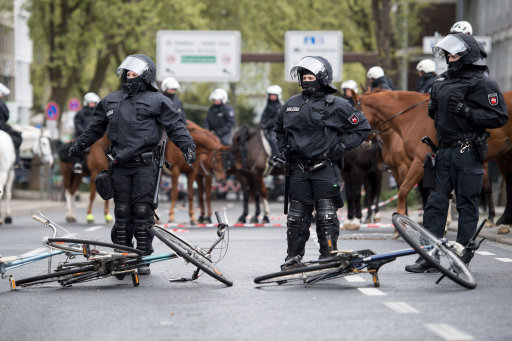 58fcac8fbd467 leftist protesters clash with police as german anti immigration party meets in cologne - Protests against AfD party convention in Cologne
