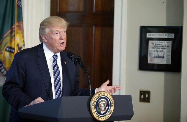 5900a0d493085 donald trump backs down on funding demand for mexico border wall - Trump Financial Regulations