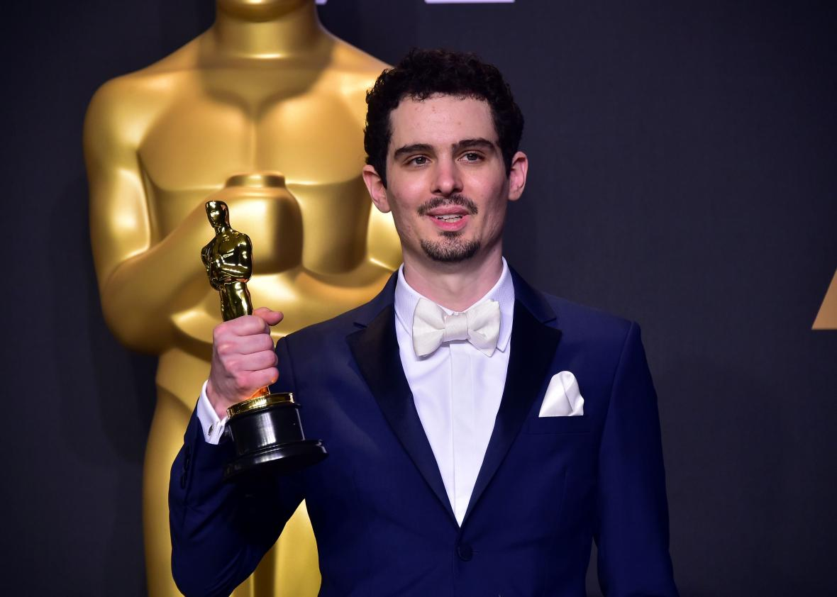 645733044 damien chazelle poses in the press room with the oscar - 645733044-damien-chazelle-poses-in-the-press-room-with-the-oscar.jpg