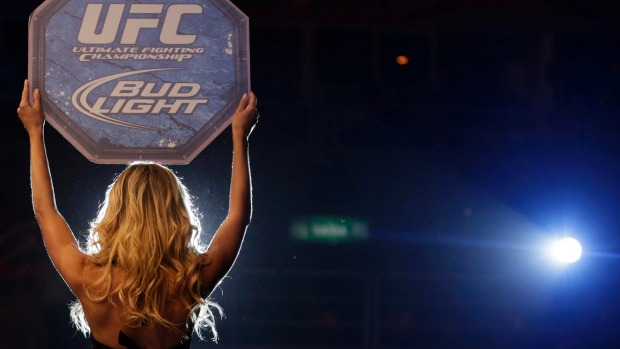 1493373239010 - Boxing's ring girls: harmless entertainment or Dark Ages sexism?